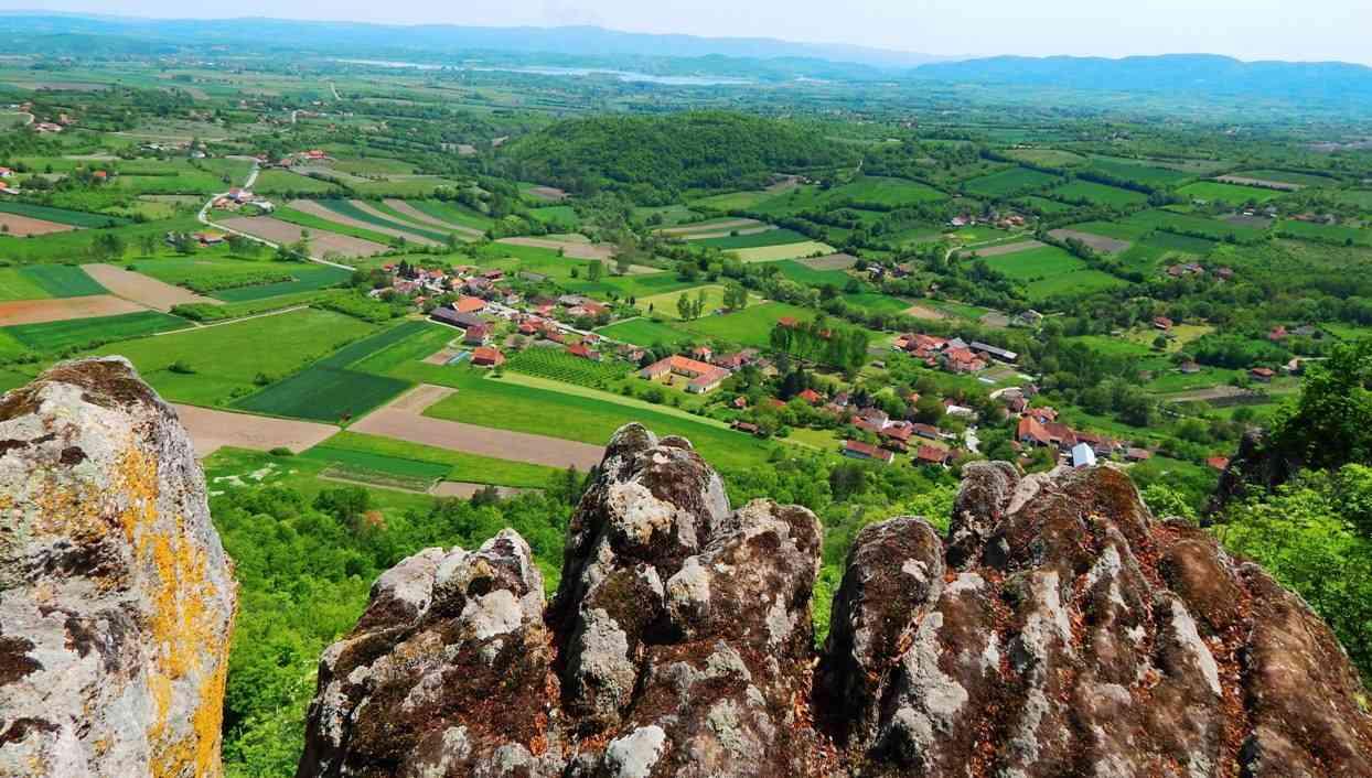 panorama sela Borač, pogled sa Boračkog krša, Šumadija
